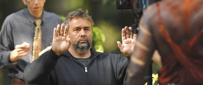 Luc Besson se rend