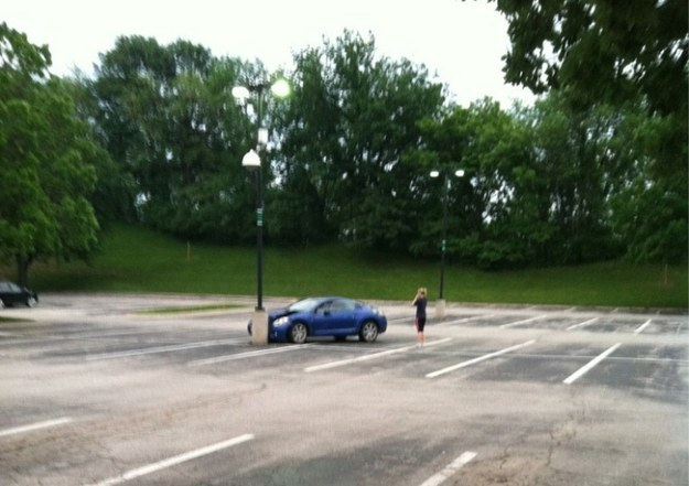 Cette personne pour qui même conduire dans un parking vide relève de l'épreuve